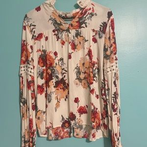 Blu Pepper Floral/Lace Long Sleeve Blouse